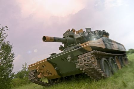 unstoppable: An American M551 Sheridan light tank, armed with the MGM-51 Shillelagh gun-launched missile system, going on the offensive in Vietnam. Stock Photo