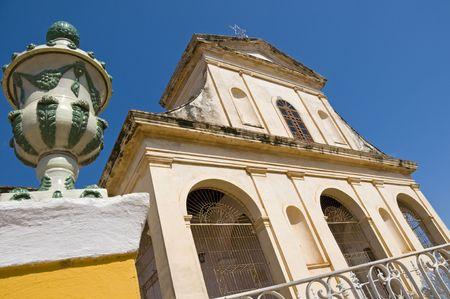 central square: Sant�sima Trinidad chiesa nella piazza centrale di Trinidad, Cuba. Archivio Fotografico