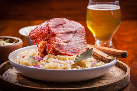 red braised: Smoked pork with cabbage (Sauerkraut) and beer