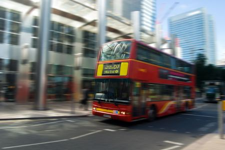 image of a typical bus at london