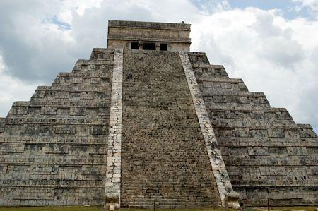 piramide humana: Chichen Itza. La gran pir�mide.