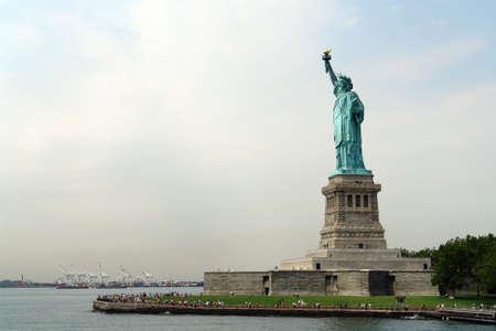 lady liberty: Estatua de la libertad o Dama en la Isla Libertad en Nueva York