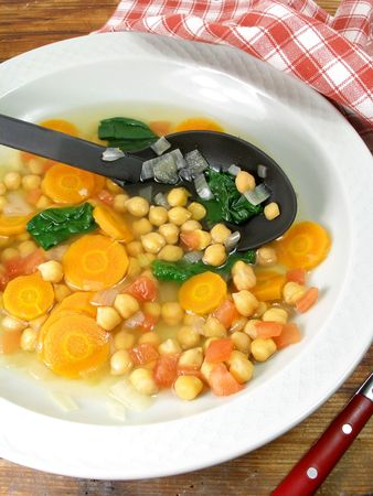 chickpeas: A yummy vegetable soup with chickpeas