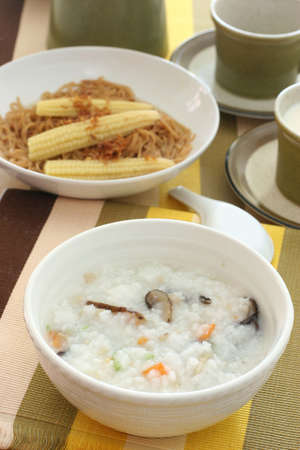 lumpy: Chinese dimsum porridge with sliced mushrooms and vegetables