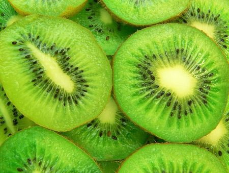 Juicy and delicious slices of kiwi fruit