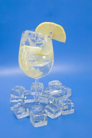 lemony: A cool lemony drink with ice and lemon slices