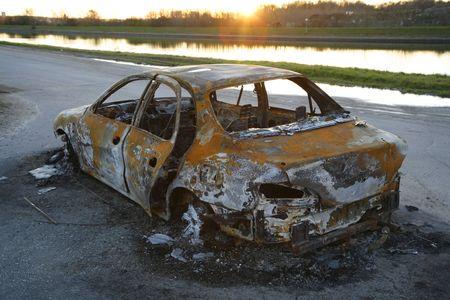 car theft: Quemado-out coche despu�s de el robo de autom�viles.