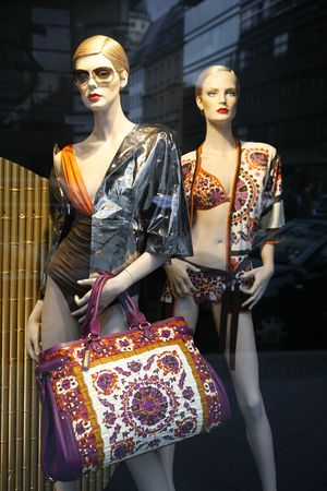 seen: Summer fashion seen through a store window - Berlin.