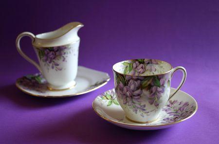 wisteria: Antique wisteria pattern tea-set