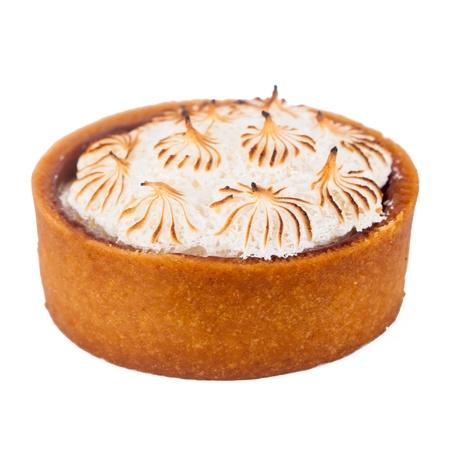 pie de limon: Un delicioso pastel de lim�n aislado en un fondo blanco. Foto de archivo