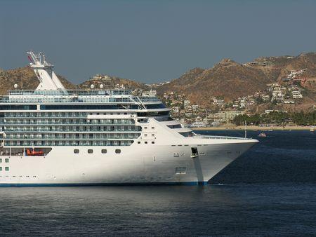 cruiseship: Anclaje crucero en la bah�a de Cabo San Lucas  Mexico Foto de archivo