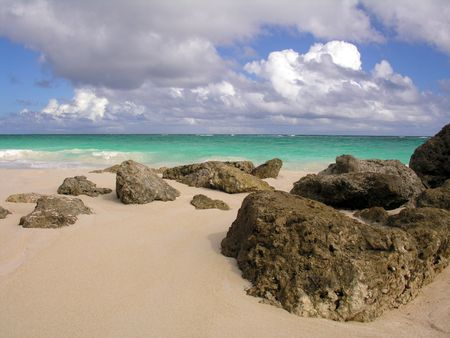 barbade: Coral rochers sur Crane Beach  Barbados ...
