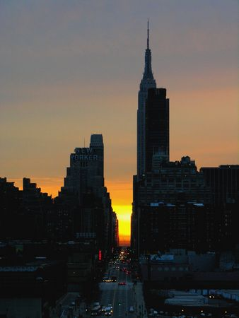 public houses: Manhattan and the Empire State Building at sunrise... Stock Photo