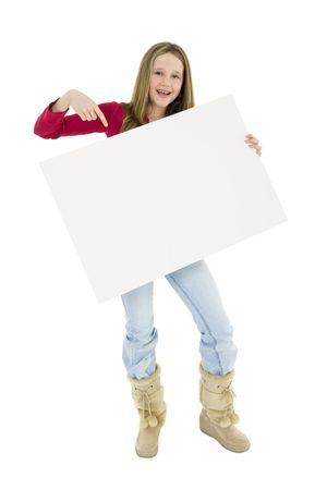 eslogan: Caucasian ni�o blanco la celebraci�n de una se�al para que usted pueda a�adir tu propio eslogan publicitario. Ella est� en un fondo blanco.