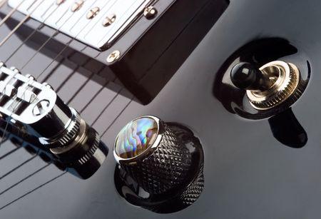 soloist: Electric guitar controls