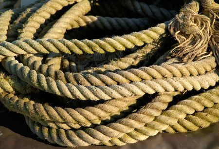 the mooring: Old mooring ropes