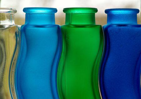 backlit: Frosted gebogen flessen, backlit Stockfoto