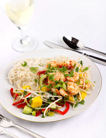 beansprouts: Prawn and Mango salad with bok choi, beansprouts, noodles, peppers, spring onions Stock Photo
