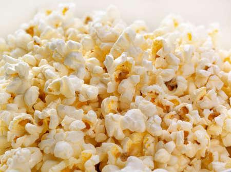 backlit: Con retroiluminaci�n de fondo Popcorn  Foto de archivo