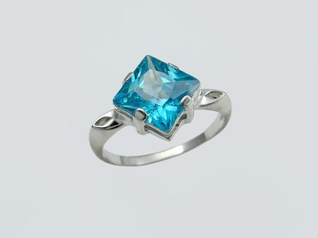 Ring with big sapphire photo