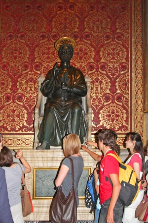 pontiff:  Italy, Rome, Vatican, August, 26th, 2008: People in Basilica of St. Peter, Vatican, Rome, Italy