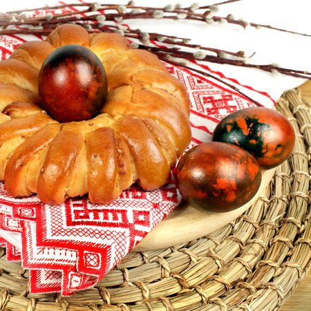russian easter: Celebratory Easter bread decoration color eggs