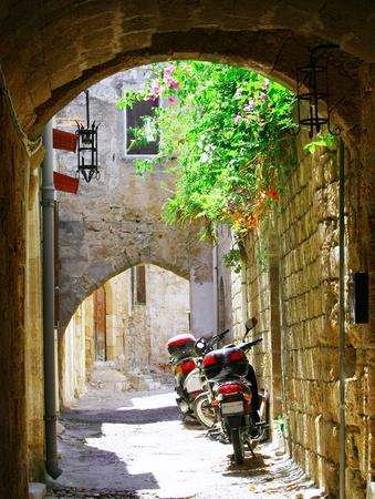 antica grecia: All'interno del vecchio (medievale) citt� di Rodi (La Citt� dei Cavalieri) Archivio Fotografico
