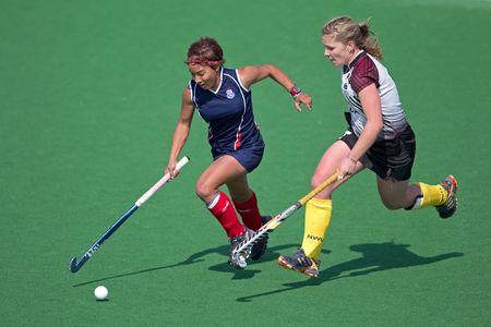hockey sobre cesped: Bloemfontein, Sudáfrica - el 7 de agosto de 2010 - acción durante un partido de hockey sobre césped womans anual entre la Universidad del norte de la occidental (NWU) y la Universidad del Estado libre (UFS) (NWU ganó 5 - 1)