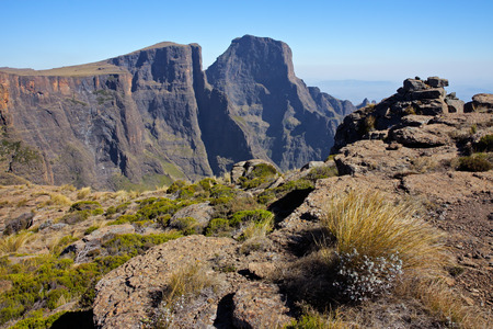 royal park: View of the high peaks of the Drakensberg mountains, Royal Natal National Park, South Africa