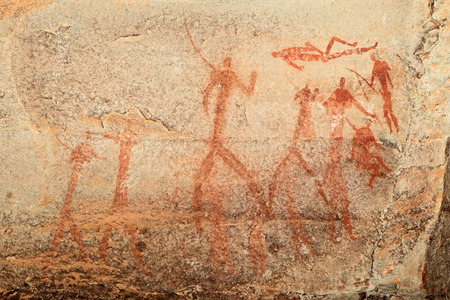 pintura rupestre: Bosquimanos - san - pinturas rupestres que representan figuras humanas, las montañas Drakensberg, Sudáfrica Foto de archivo