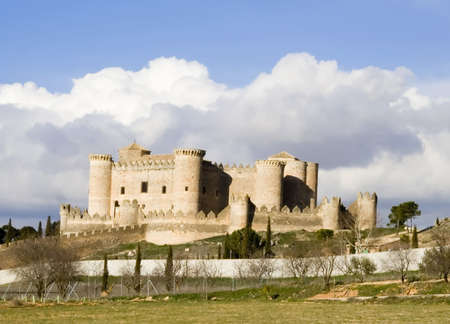 belmonte: Belmonte Castle (Castillo de Belmonte) in Belmonte, Cuenca province, Castilla La Mancha, Spain.  Located approximately 150km southeast of Madrid, this fortress-palace from the 15th century is decorated in gothic-mudejar style and is one of the best preser