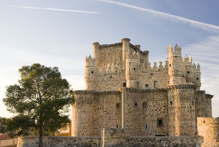 castilla: Guadamur castle (Castillo de Guadamur) is a 15th century castle in Toledo province, Castilla La Mancha, Spain. Stock Photo