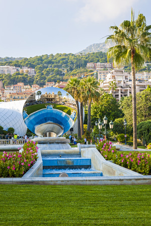 anish: MONTE CARLO, MONACO - OCTOBER 3, 2014: View of Monte Carlo, Monaco with Sky Mirror sculpture by Anish Kapoor reflecting casino building