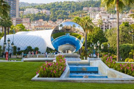 montecarlo: MONTE CARLO, MONACO - OCTOBER 3, 2014: View of Monte Carlo, Monaco with Sky Mirror sculpture by Anish Kapoor reflecting casino building