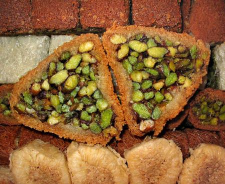 Primer plano de la repostería dulce árabe tradicional diversos.  Foto de archivo