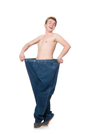 hombre flaco: Hombre divertido con pantalones aislados en blanco