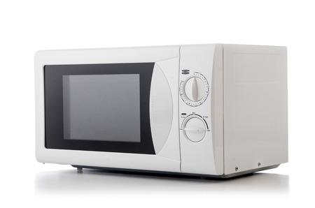 microondas: Horno de microondas sobre la mesa