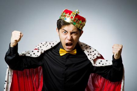 corona de rey: Concepto de hombre de negocios con el rey de la corona Foto de archivo