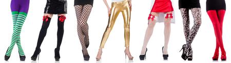 femme en sous vetements: jambes de femme isolée sur le fond blanc
