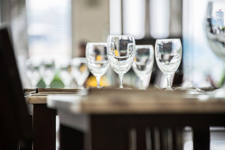 bocal: Wine glasses on the table - shallow depth of field