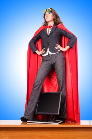 Empresaria en concepto superwoman