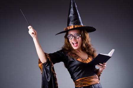 czarownica: Witch doing her dirty tricks