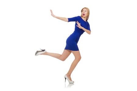 llegar tarde: Bella dama en vestido azul oscuro aislado en blanco