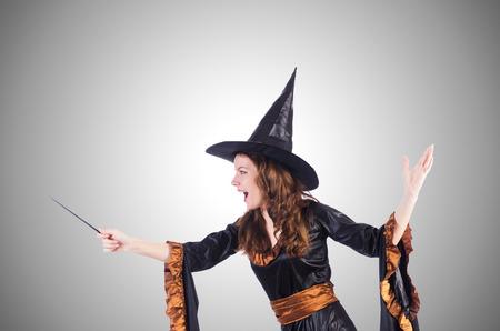 czarownica: Czarownica z różdżki samodzielnie na biały