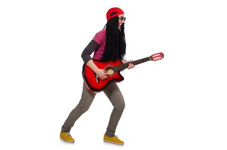 femme avec guitare: Joueuse de guitare isol� sur blanc