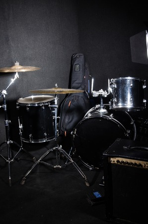 cymbol: Set of musical instruments in club