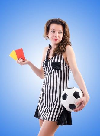 arbitrator: Woman judge against the gradient
