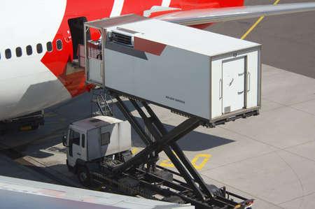 air freight: aircraft unloading cargo