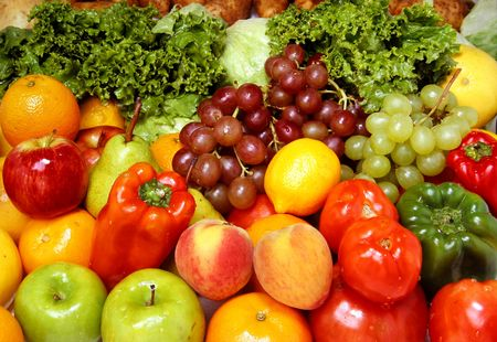 Delicious fresh fruits and vegetables for a healthy and balanced diet