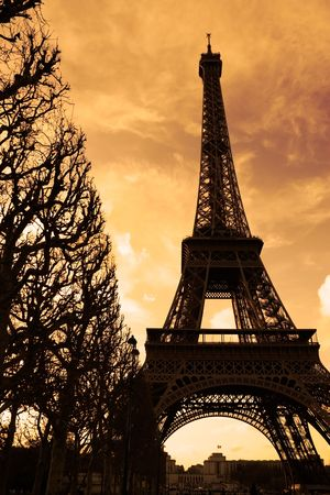 Silhouette of the Eiffel tower at sunset - Paris, France Stock Photo - 366484